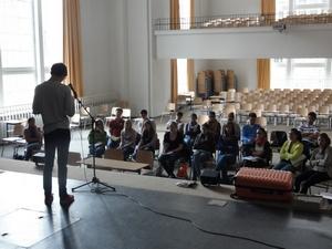 Workshop Poetry-Slam - 1 - In der Aula